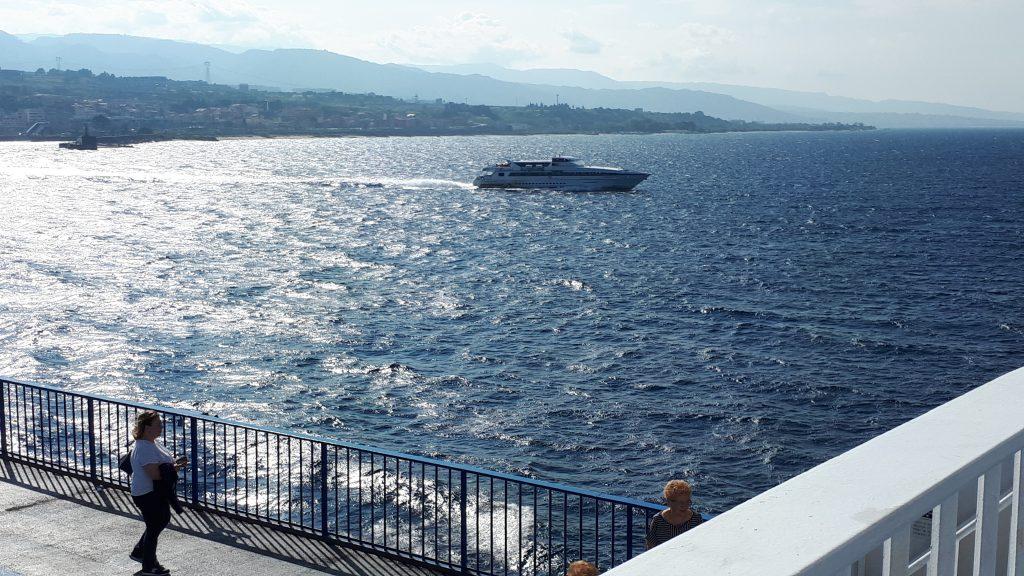Båt till Sicilien.